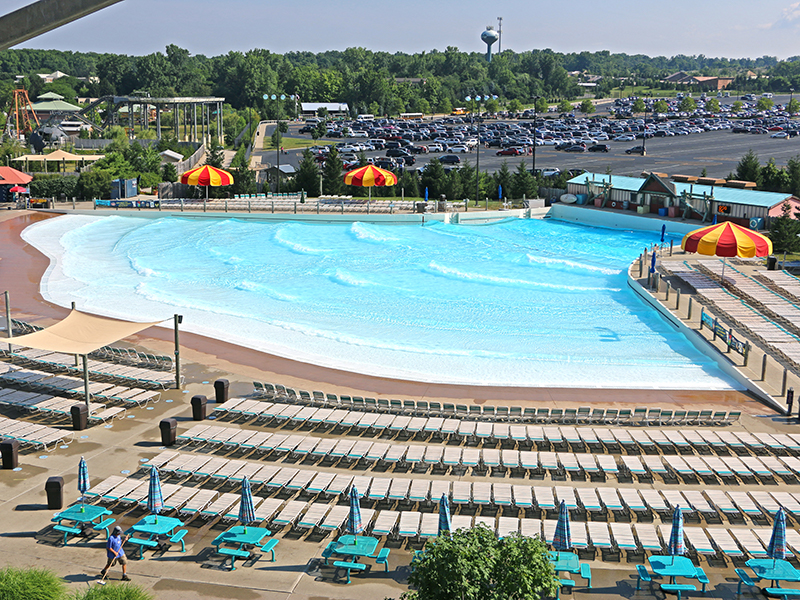 wave pool overview at zoombezi bay