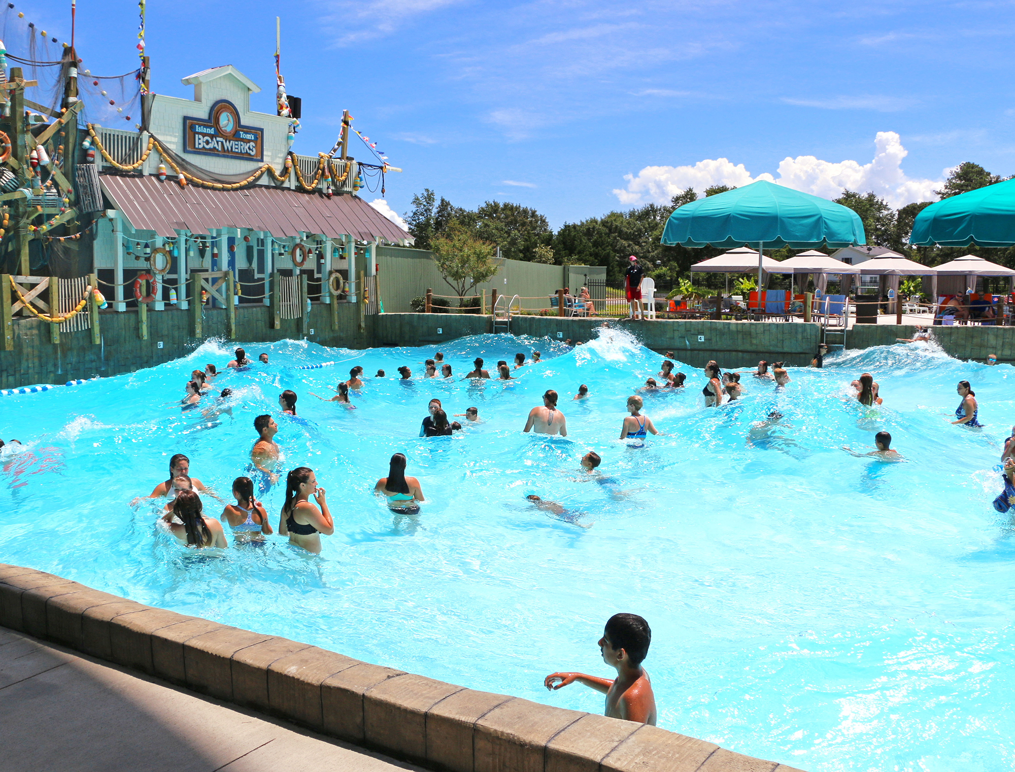 Water Park Package. Stay with us and Cool Off with a day of fun at the Cawabunga Bay Water Park! Enjoy Beaches, Pools, Slides, Bays & Rivers. There's more than one way to cool off.