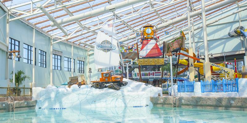 Camelback Lodge and Aquatopia Indoor Waterpark Wavepool