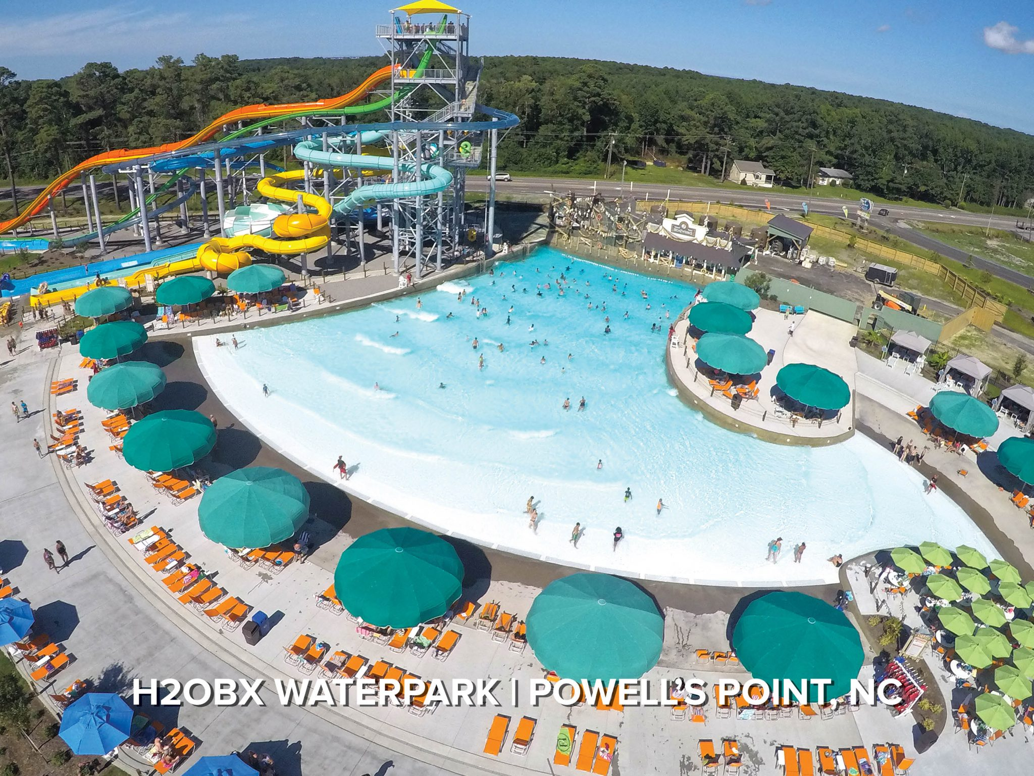 wave pool at six flags great america