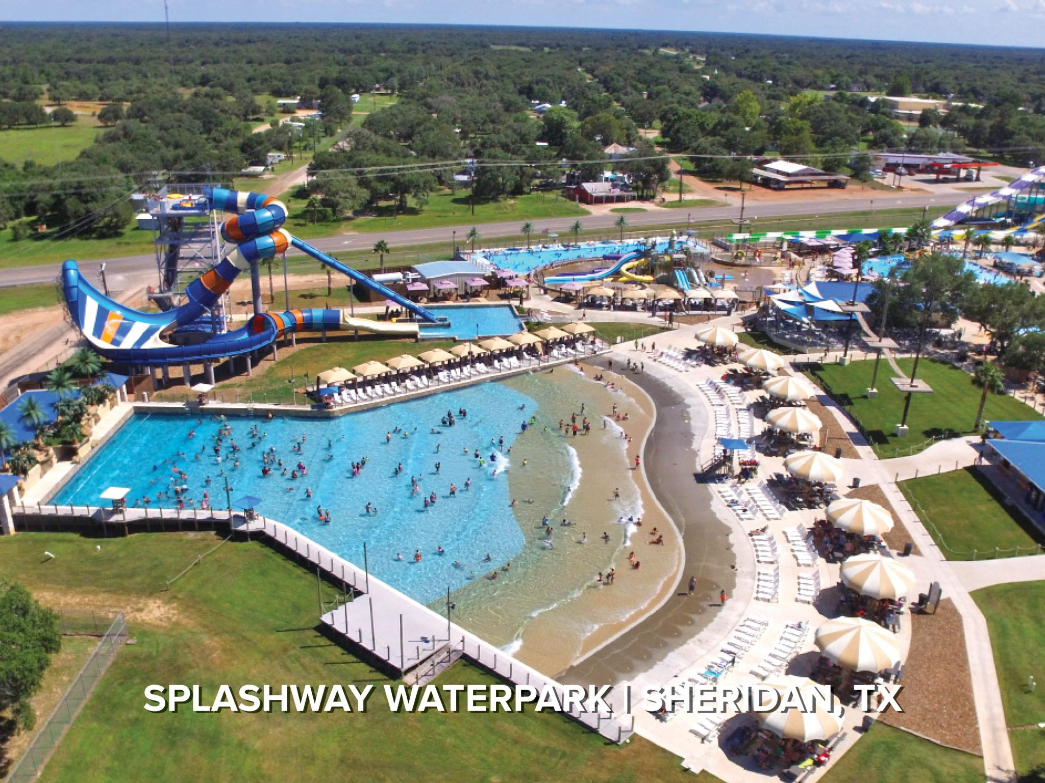 wave pool at splashway water park