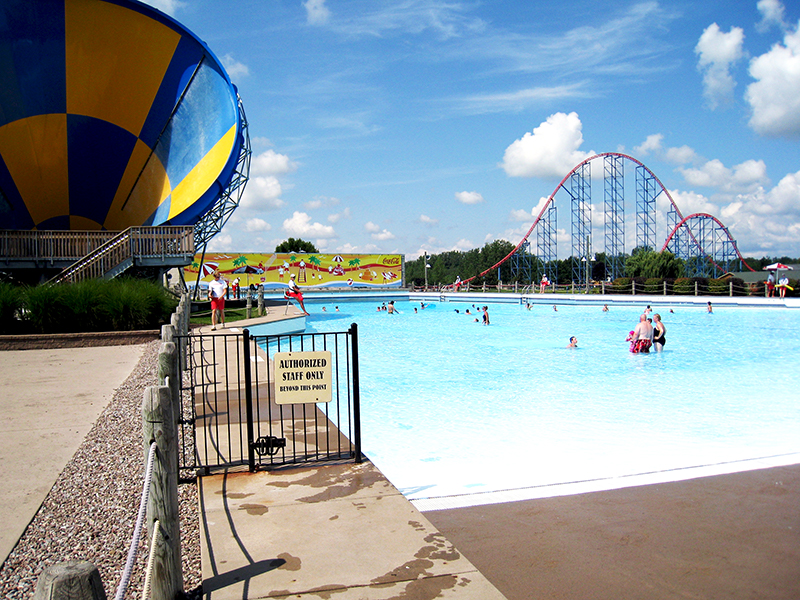 Darien Wave pool