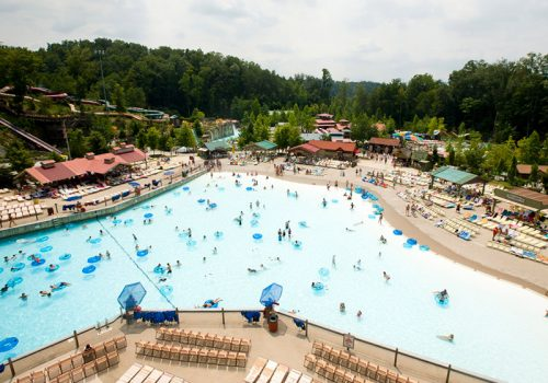 Dollywood Wave Pool - featured