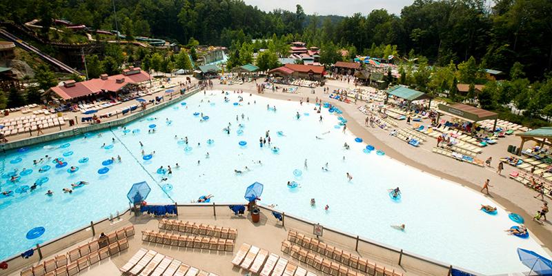 Dollywood_Wave Pool
