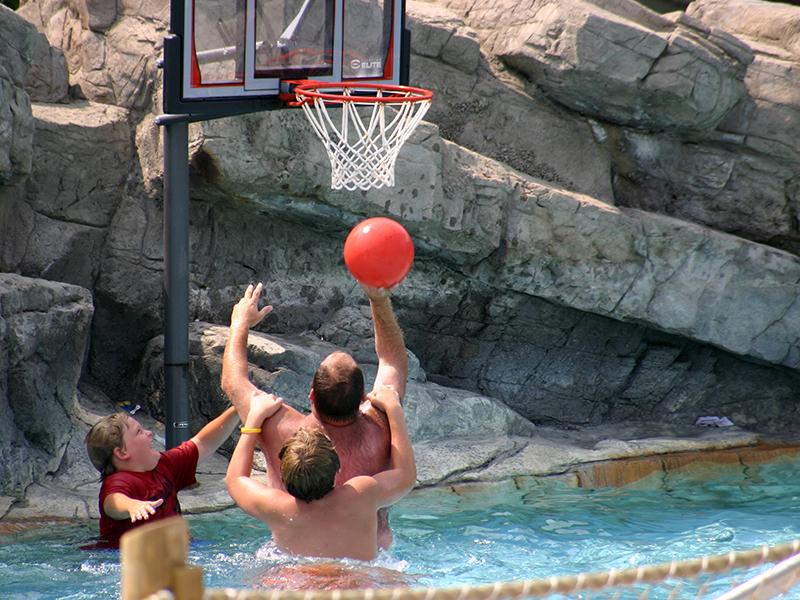 Geauga Lake Basketball Play Area
