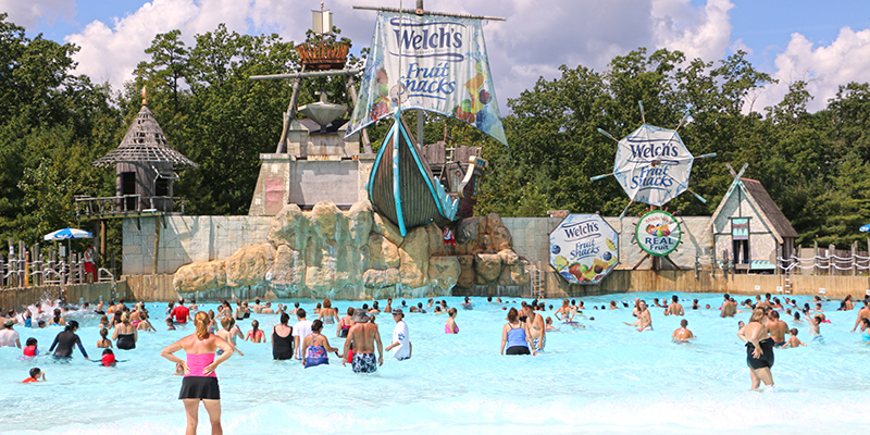 Six Flags New Jersey Wave Pool