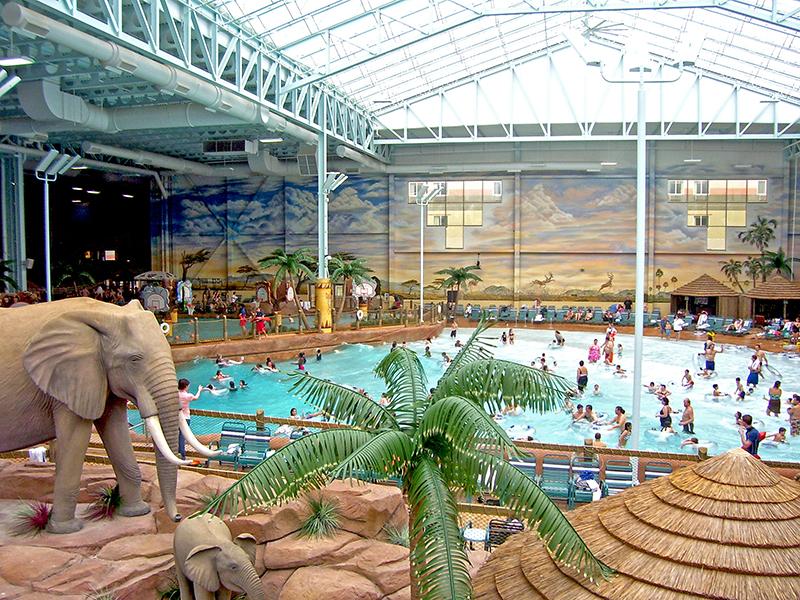 Wave Pool at Kalahari Indoor Waterpark