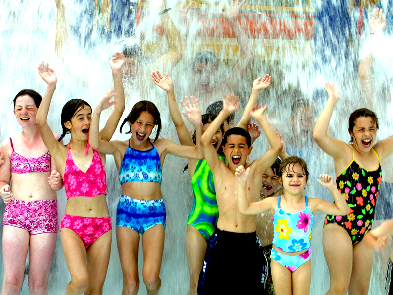 Kids having fun at Roseland Waterpark