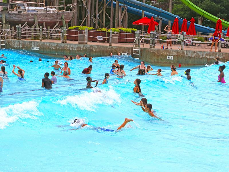 Six Flags New England Wavepool
