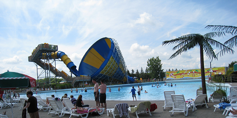 Families Enjoying the 140,000 Gallon Wave Pool