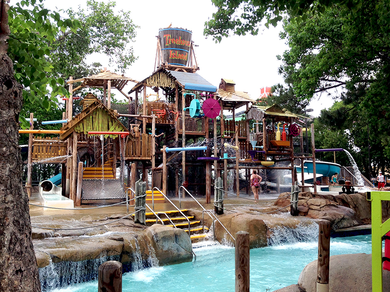 Wet n Wild Splashtown Kids Play Structure