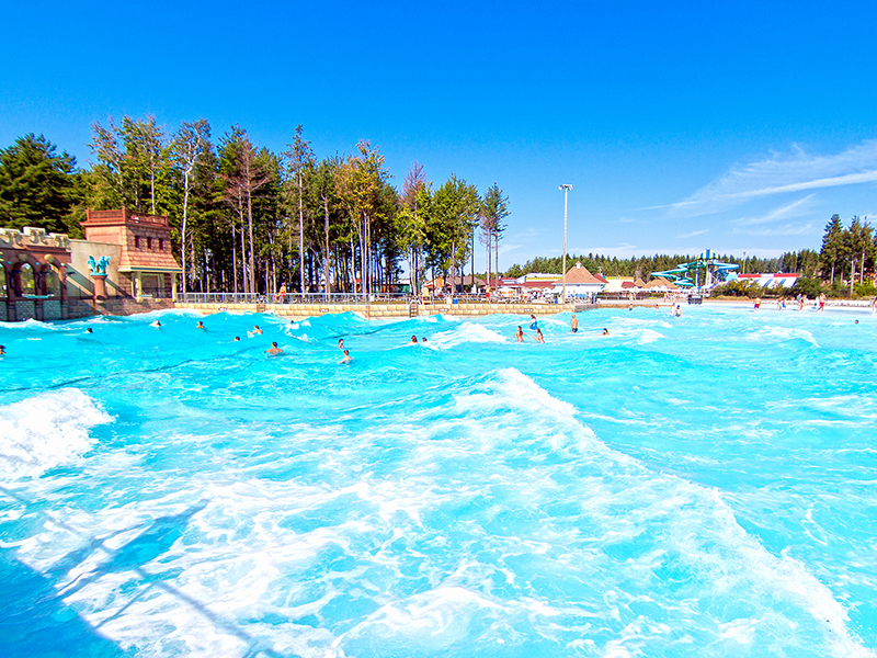 The wave pool at Calypso