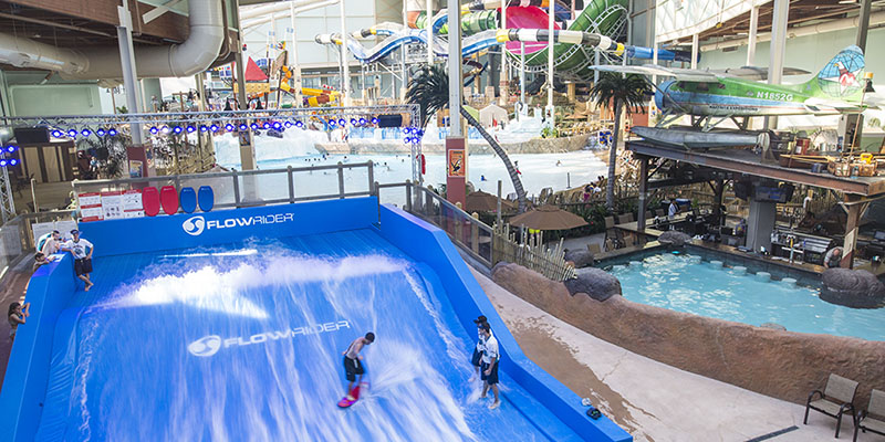 Indoor water park indoor waterpark news for Water s edge cabins of berlin