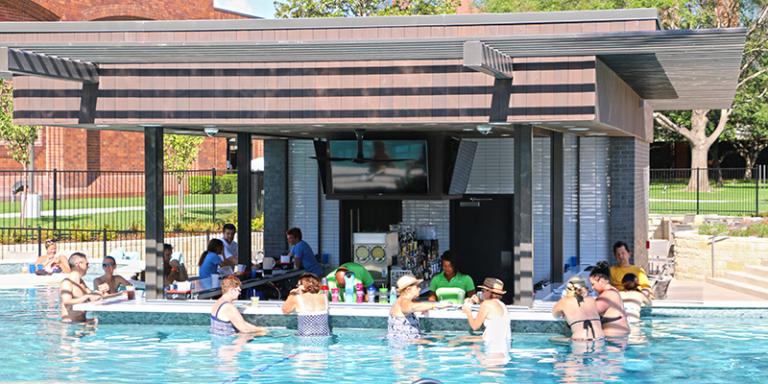Hilton Anatole swim up bar