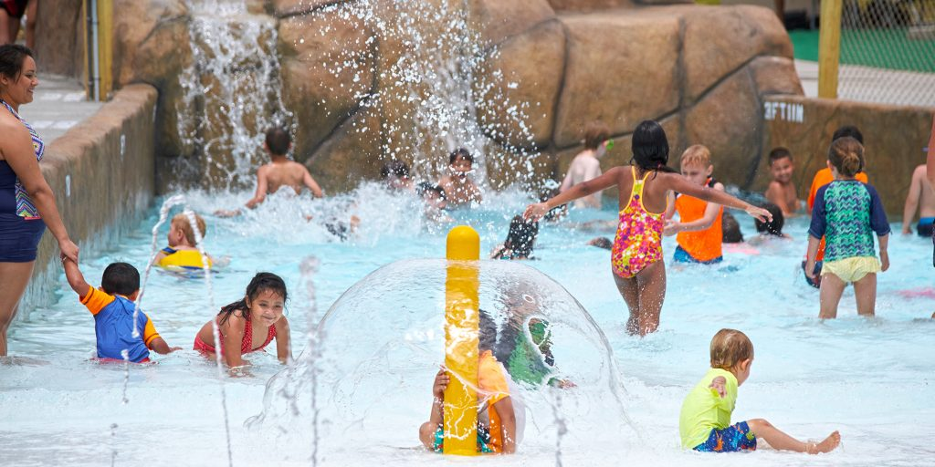 Kids wave pool