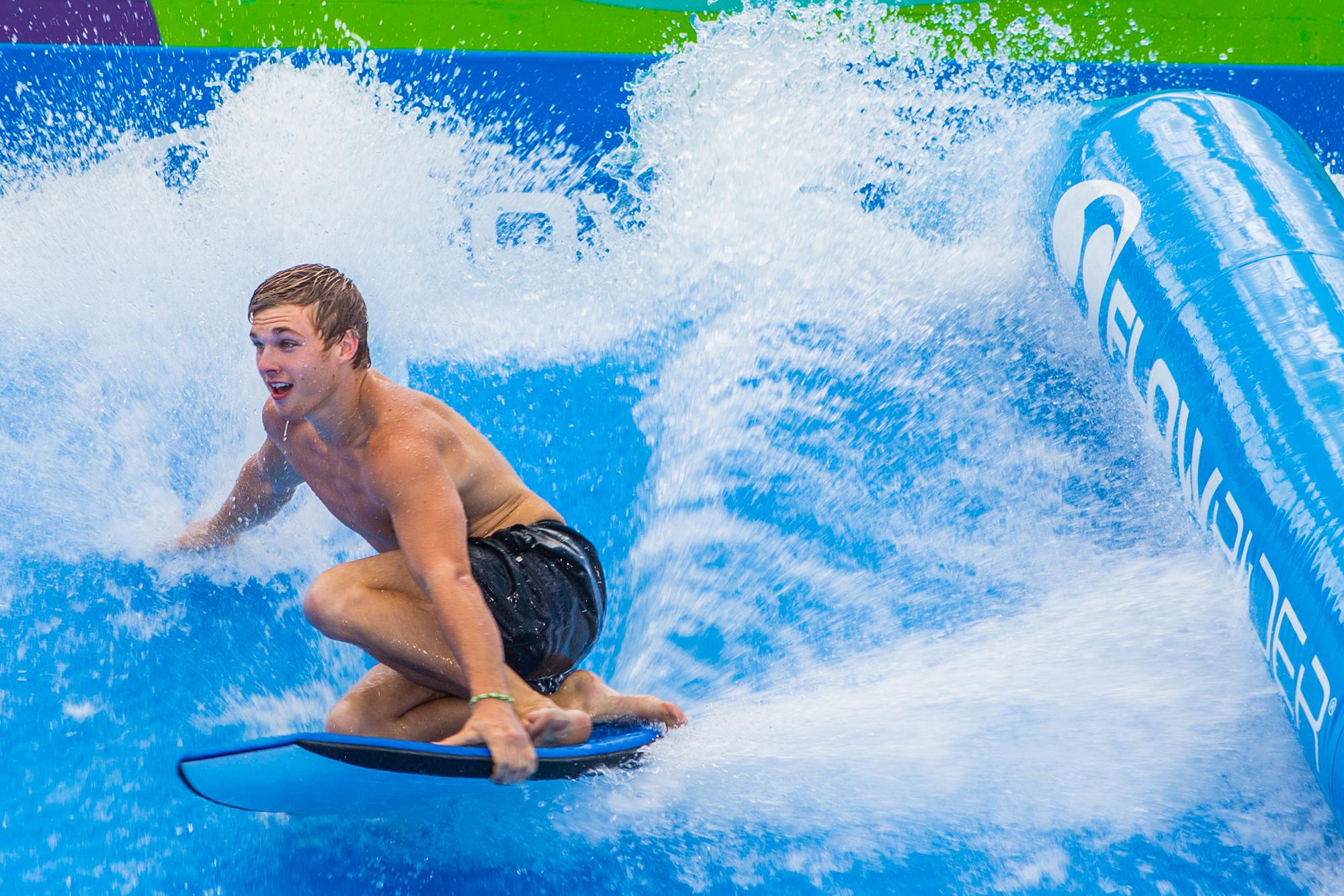 FlowRider surf rider