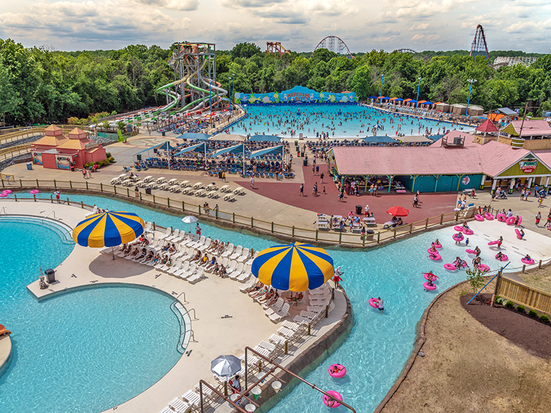Overview of property at six flags america