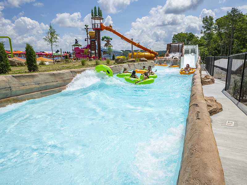 tidal river ride at soaky mountain water park