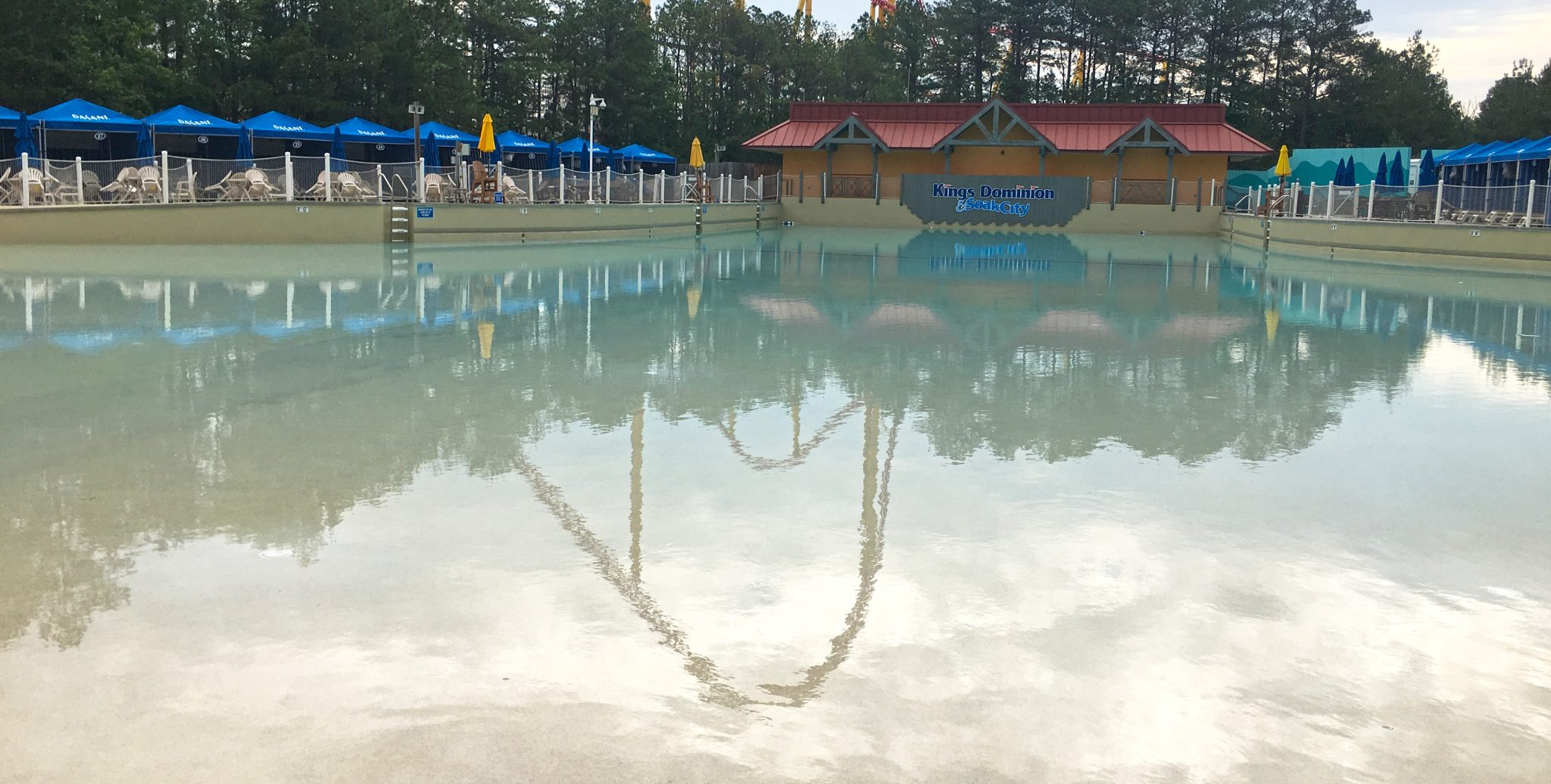 wave pool at kings dominion coconut shores