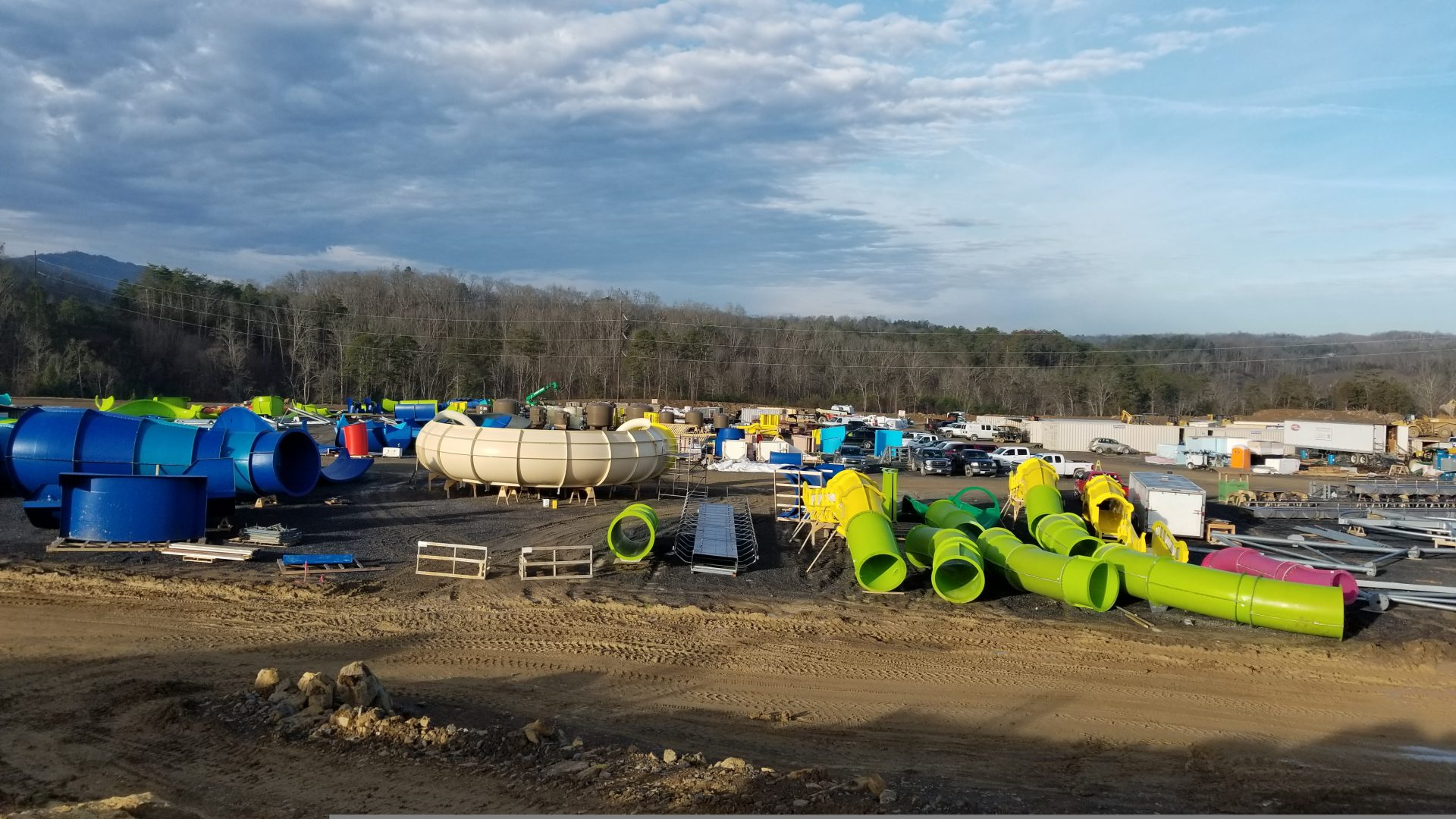 Soaky Mountain Waterpark Construction slides