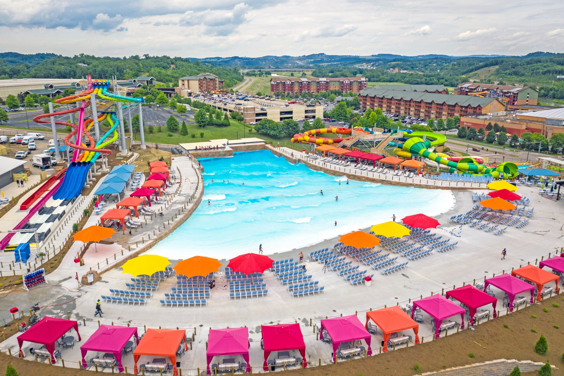 overview of soaky mountain water park