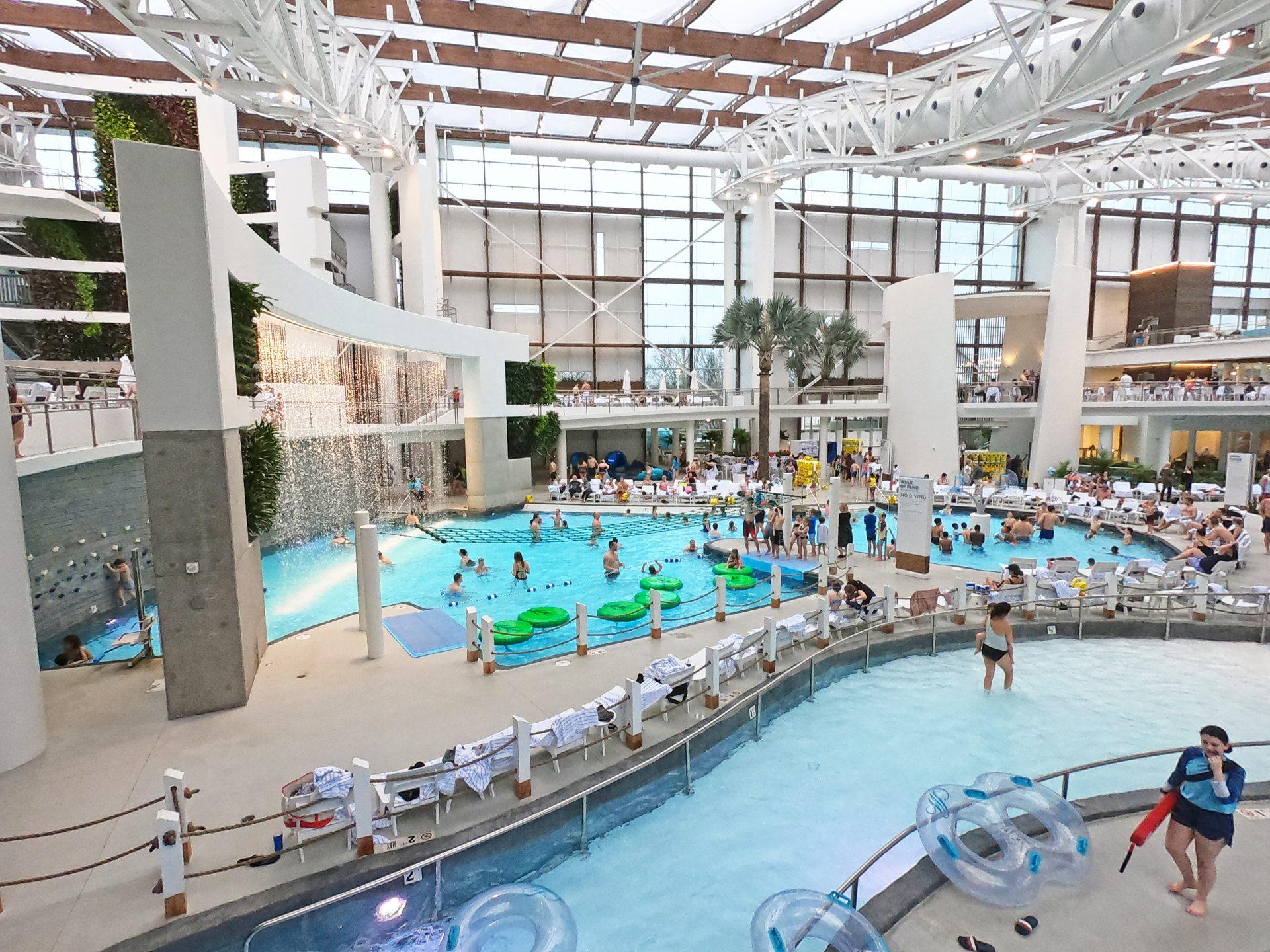 gaylord resort indoor water park
