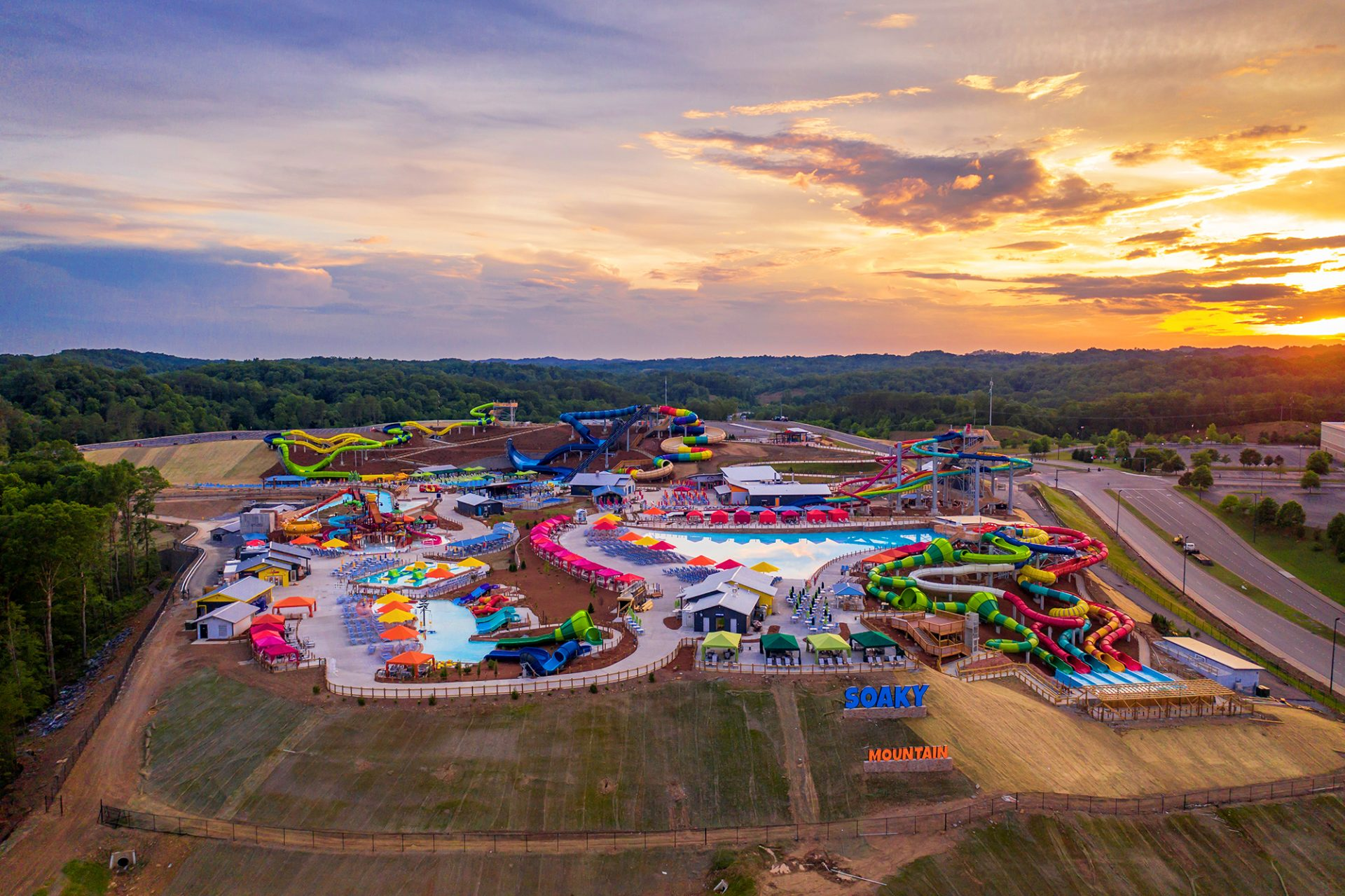 soaky mountain water park overview sunset